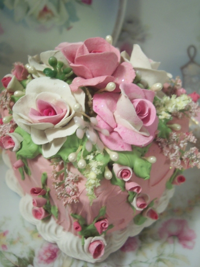 (HEARTOROSES) SHABBY COTTAGE PINK ROSE DECORATED FAKE CAKE CHARMING!!