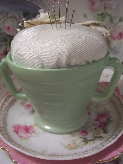 (GSBPK) Vintage Sugar Bowl Pin Keeper Cushion