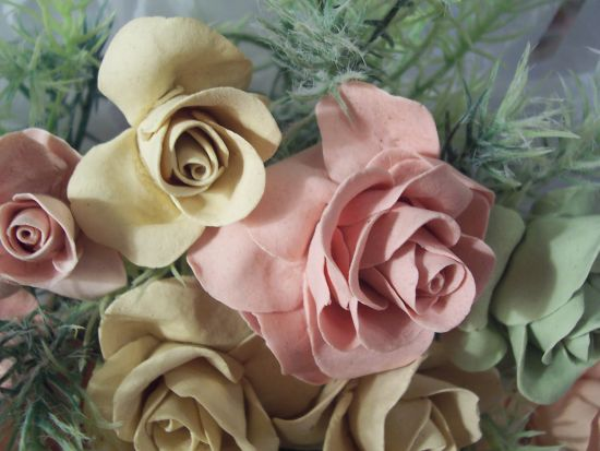 (PEACHESNCREAM) 12+ Pretty Handmade Clay Rose Victorian Bouquet