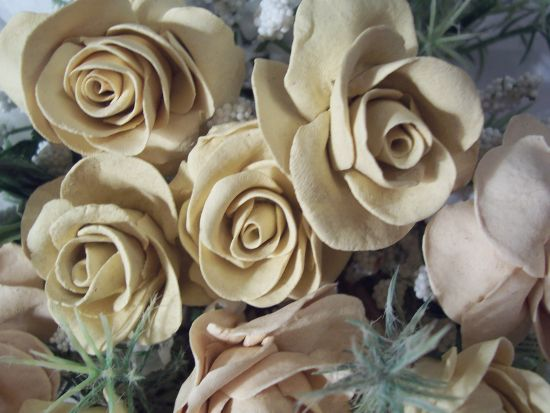 (IVORY) 12+ Pretty Handmade Clay Rose Victorian Bouquet