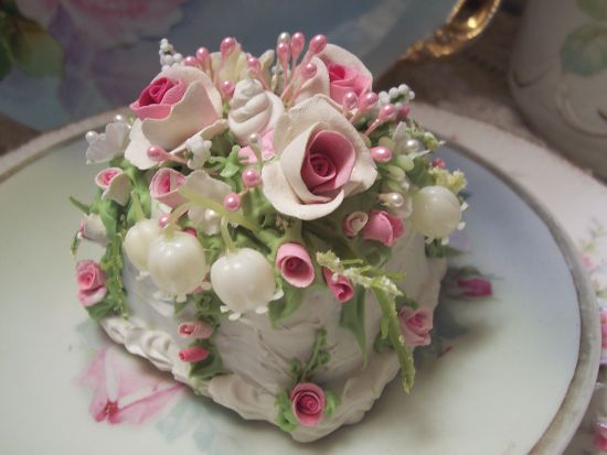 (PET) Fake Food Slice of Cake Shabby Pink Roses Victorian HP
