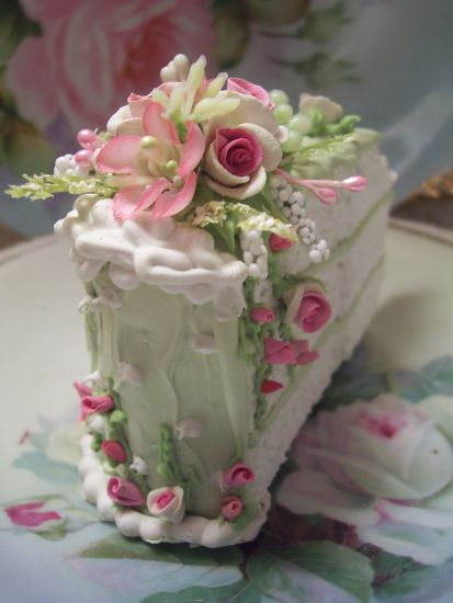 (LITTLE1) Fake Food Slice of Cake Shabby Pink Roses Victorian HP