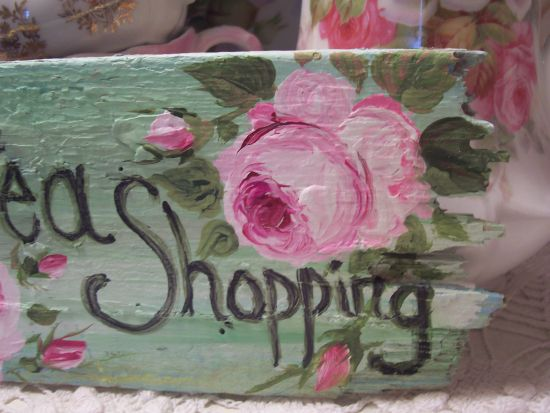 (TSHOP) HANDPAINTED ROSES SIGN