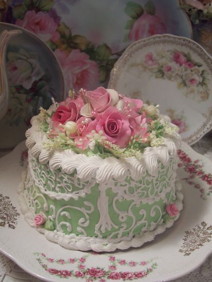 (LACEANDSCROLL) Funky Junk Cottage Rose Decorated Fake Cake Charming!!!