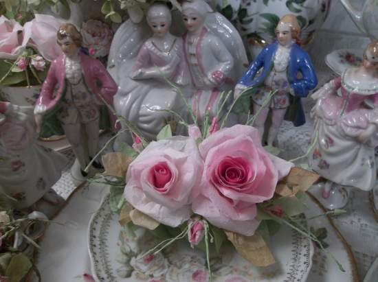 (Rosa Rosa) Handmade Paper Rose Clip