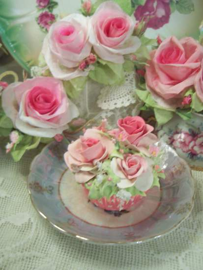 (Kimberly) Fake Cupcake