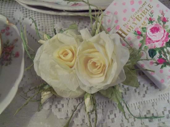 (Yolonda) Handmade Paper Rose Clip