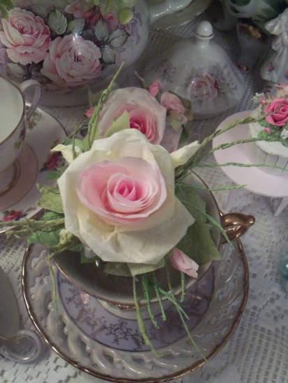 (Nora) Handmade Paper Rose Clip