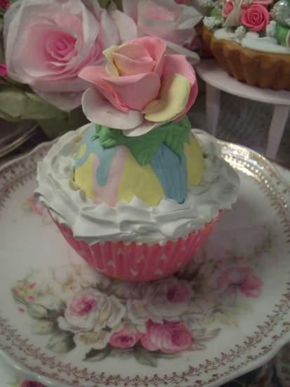 (Sunset Rosa) Fake Cupcake