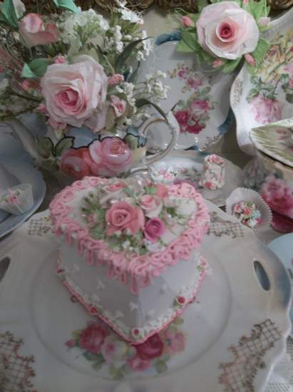 (Sweden Rose) Fake Cake