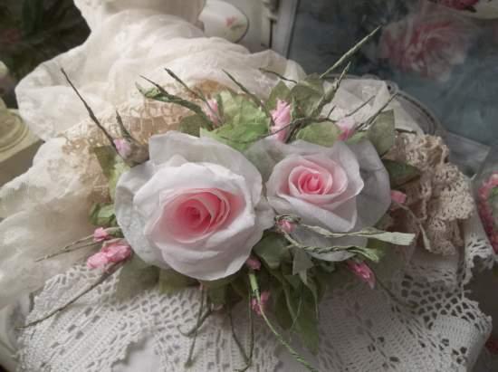 (Venice Rosa) Handmade Paper Rose Clip