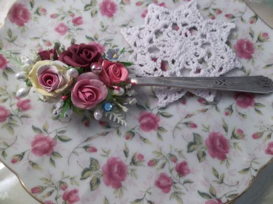 (Roses Of The Old) Vintage Teaspoon Decoration