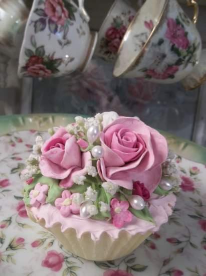 (Belle Anne) Fake Cupcake