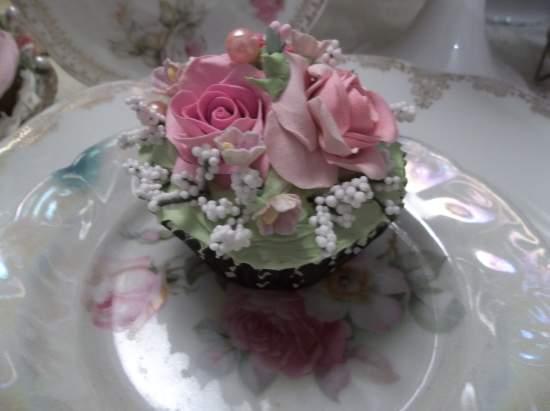 (Dottie) Fake Cupcake