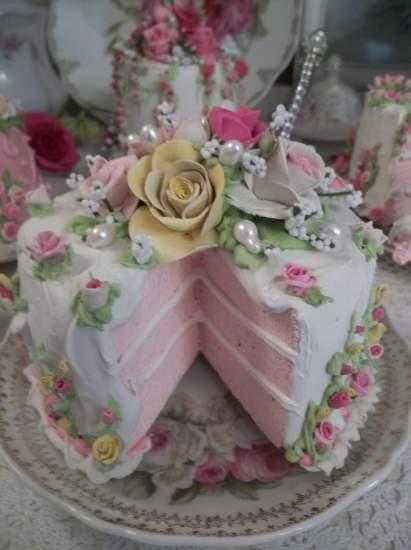 (Lydia) Fake Cake