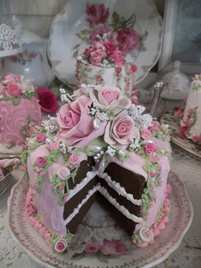 (Olivia) Fake Cake