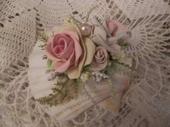 (Florina Rosa) Decorated Seashell
