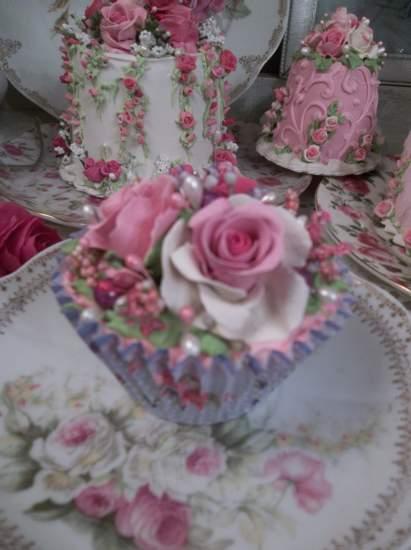 (Casa Rosa) Fake Cupcake