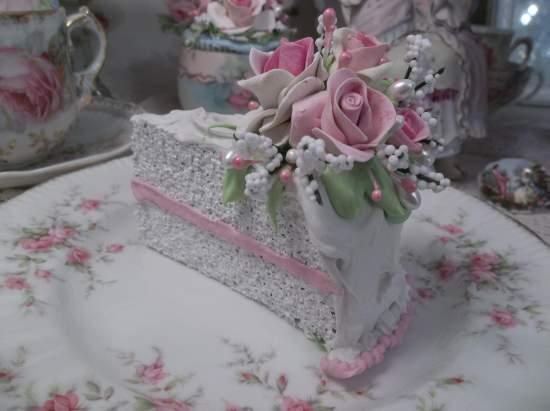 (Maureen) Fake Cake Slice