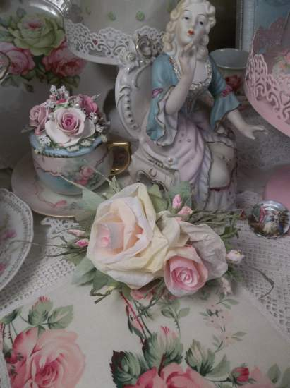 (Clara) Handmade Paper Rose Clip