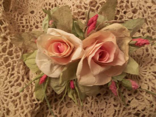 (Carolina) Handmade Paper Rose Clip