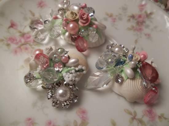 (Doris) Decorated  Sea Shells  Beach Decor  Wedding Natural , Pearls , Roses Love Art