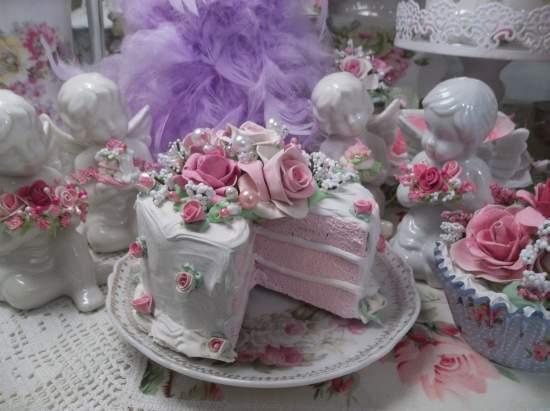(Wilma Rose) Fake Cake, Slice Out Cake