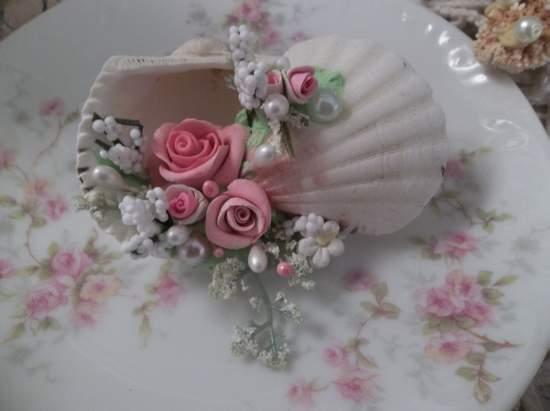 (Ocean Annie) Mini Marvel Decorated  Sea Shells  Beach Decor  Wedding Natural , Pearls , Roses Love Art