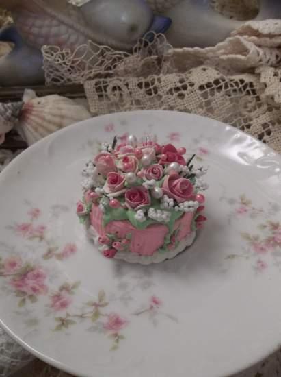 (Little Pink Cake) Mini Marvel Mini Fake Cake