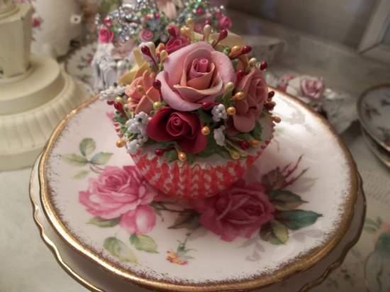 (Gingham Gidget) Fake Cupcake