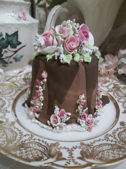 (Marietta) Funky Junk Fake Cake