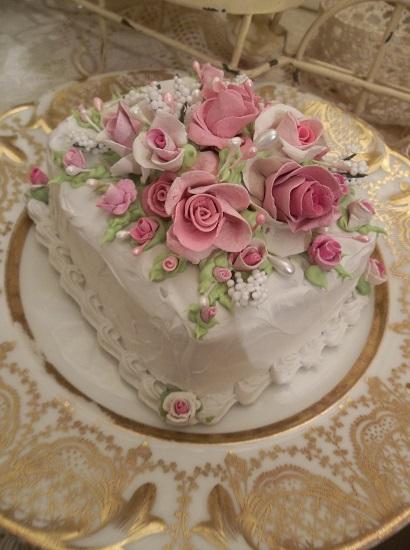 (Angel Cake) Funky Junk Fake Cake