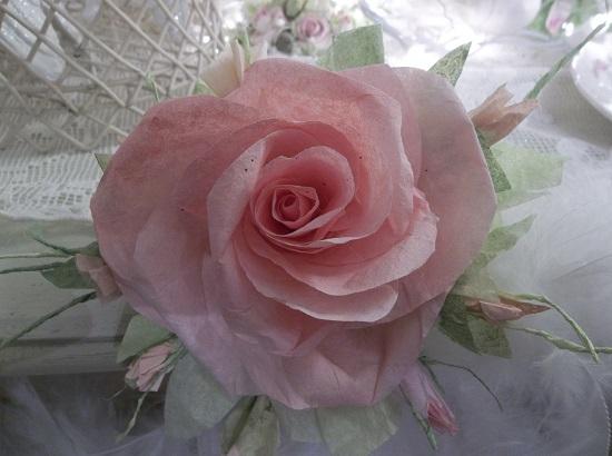 (Peachie Keen Queen) Handmade Paper Rose Clip