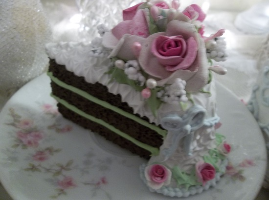 (Roses And Bows) Fake Cake Slice
