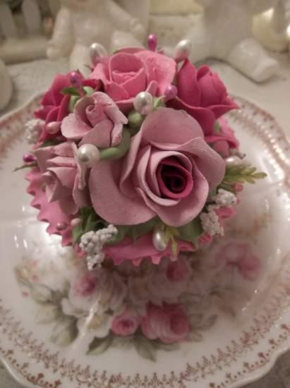 (Gorgeous Gretta Mae) Fake Cupcake