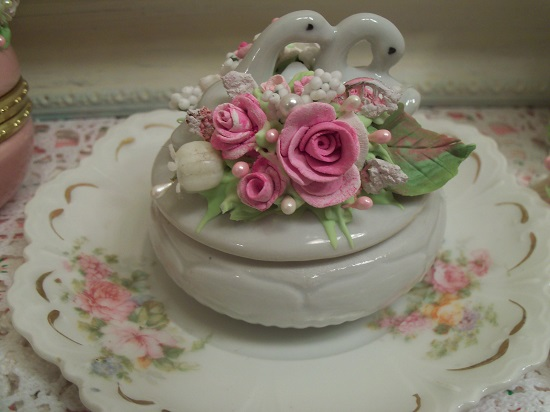 (True Love) Vintage Decorated Trinket Box