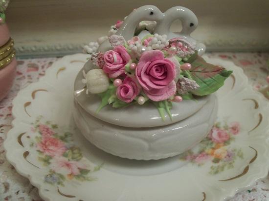 (True Love) Vintage Decorated Trinket Box
