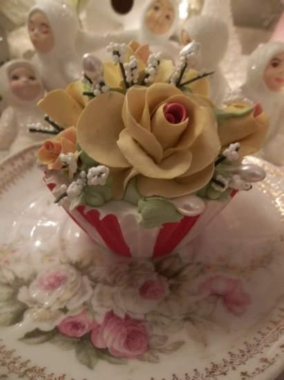 (circus sandie) Fake food cupcake