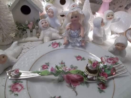 (Wonder Land) Vintage Fork, Bite Of Fake Cake Fairy Food