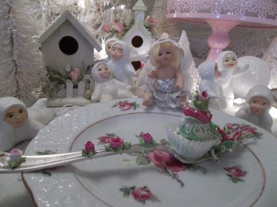 (Pixie's Paradise) Vintage Fork, Bite Of Fake Cake Fairy Food
