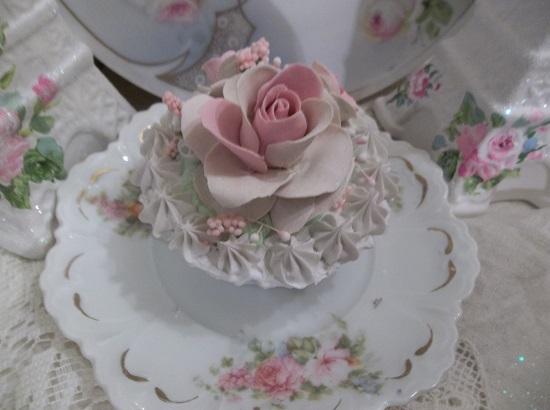 (Astrid) Fake Cupcake