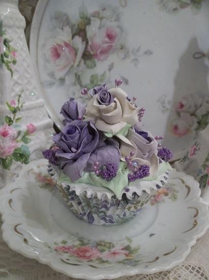 (Georgie Porgie) Fake Cupcake
