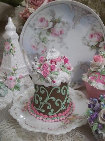 (Bavaria Rosa) Funky Junk Fake Cake