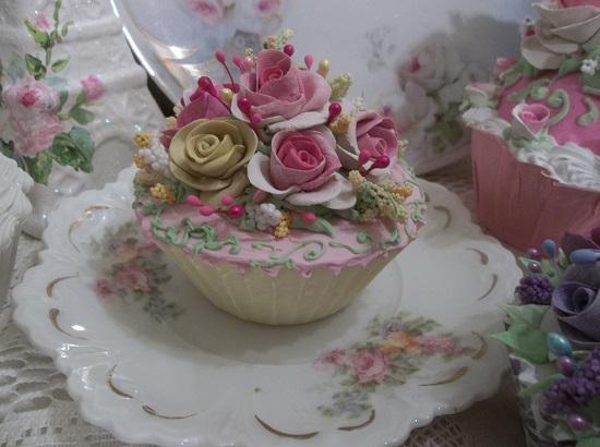 (Teresa) Fake Cupcake
