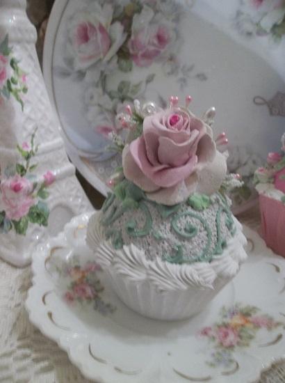 (LaVal) Fake Cupcake