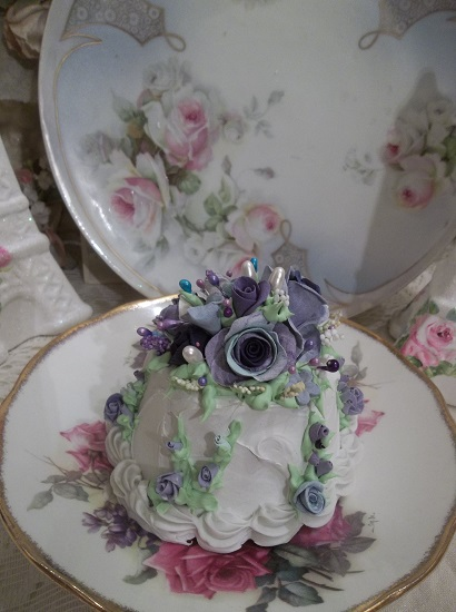 (Miss Constant Concord) Funky Junk Fake Cake