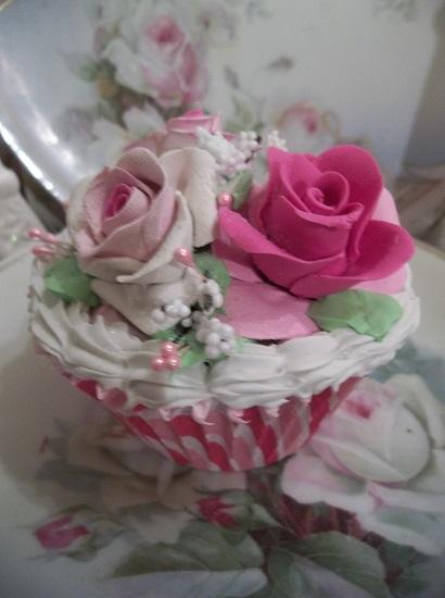 (Rhonita) Fake Cupcake