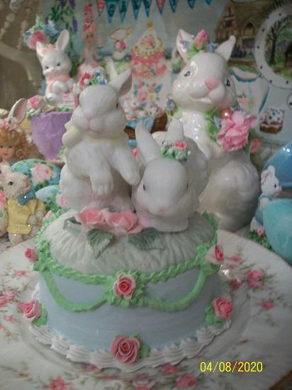 (Flopsy & Mopsy) Fake Cake