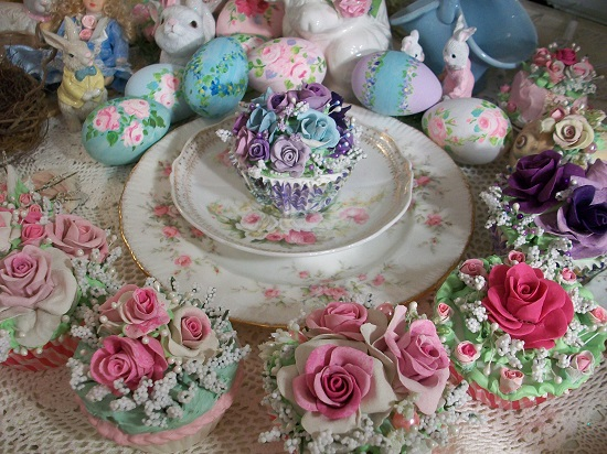 (Edna) Fake Cupcake
