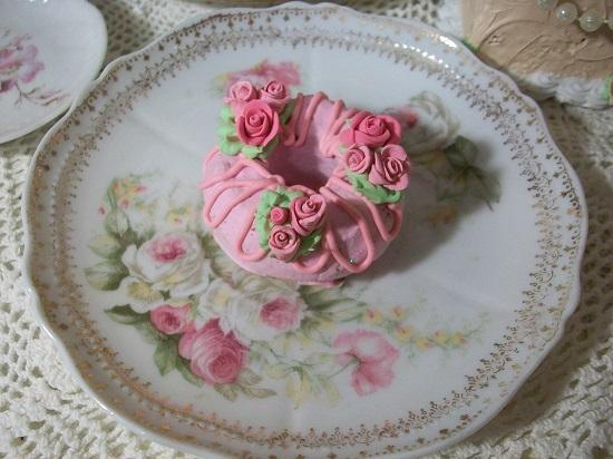 (Raspberry Rose Donut) Decorated Mini Donut